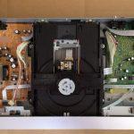 パイオニア製DVDプレーヤーが故障してDVDを再生できない。ピックアップのクリーニングで修理成功!