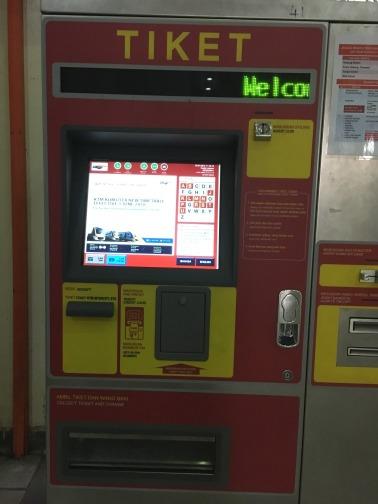 KTM鉄道のクアラルンプール駅(Kuala Lumpur) 自動販売機