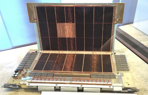 磁気コアメモリ DEC社 1978年