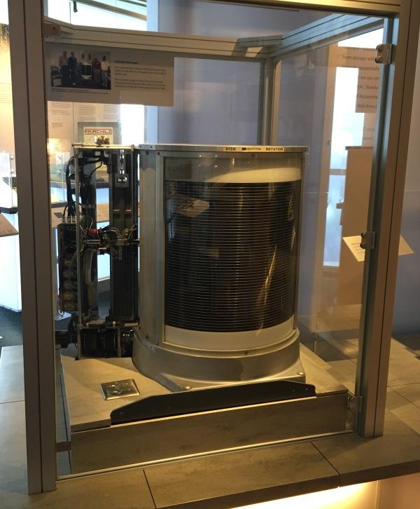 IBM社 RAMAC350 世界最初のディスクドライブ