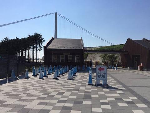 三島スカイウォーク チケット売り場と入場ゲート