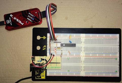 C言語でPIC18F (PIC18F26K22)で Lチカ のブレッドボード