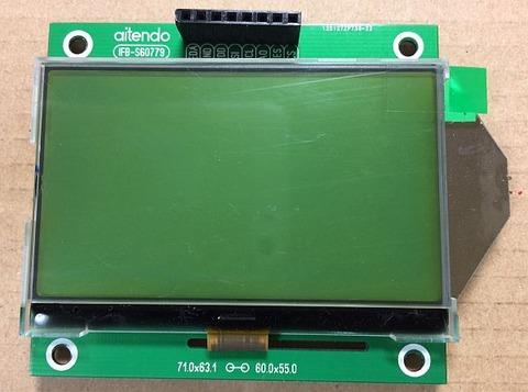 2.7インチSTNシリアル液晶モジュール 2P-S60779 (解像度:128x64ドット、液晶コントローラ:ST7565R)の基盤表面へのコネクタの実装を行いました。
