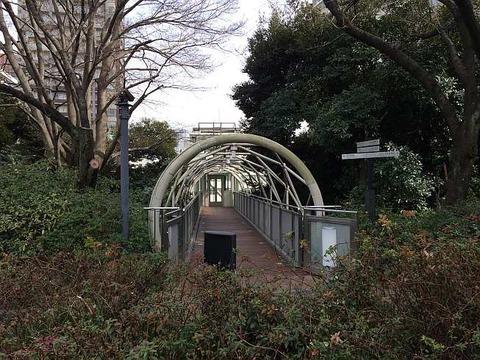 NHK放送博物館 エレベータ 山の上