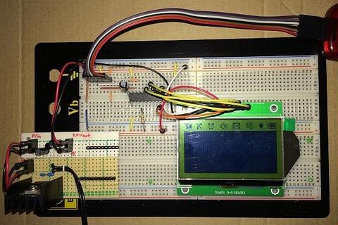 2P-S60779 (S60779)、解像度:128x64ドット、液晶コントローラ:ST7565R)をPIC(PIC16F687)で、先日の調査結果に基づきまずはDisplay all points ON