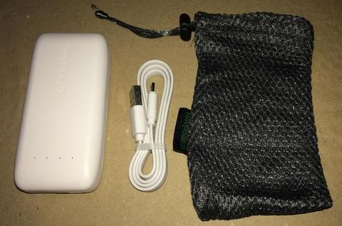 RAVPOWER RP-PB060 (6700mAh) モバイルバッテリー 箱の中身