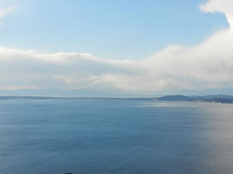 鋸山 からの 富士山 雲で見えません